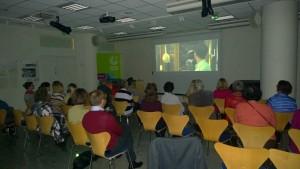 Filmiä seurasi yhteensä 24 Sveitsin Ystävien ja Schweizerklubin jäsentä. Kuva Seppo Haario