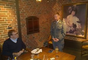 """Stéphane Theimer kertoi Sveitsin asekätkennästä, """"Salainen armeija, Projekt 26"""""""