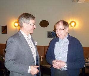 Seppo Haario ja Kari Piskonen keskustelivat ajankohtaisista asioista.