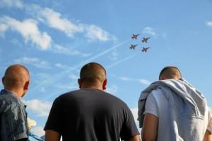 Puolustusvoimien hornet-esityslento kruunasi tapahtumarikkaan päivän.