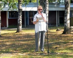 Paikallisosaston puheenjohtaja Eeva-Liisa von Lerber toivotti osallistujat tervetulleiksi.